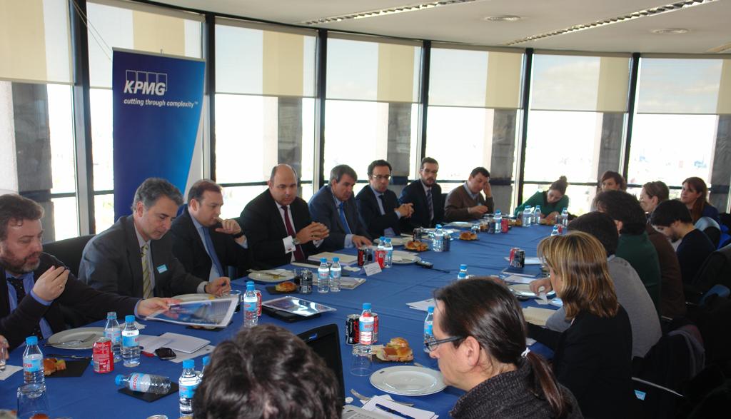 Almuerzo informativo con Francisco Uría, socio de KPMG Abogados