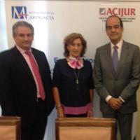 de izquierda a derecha, Rafael Navas, Patricia Rosety y José Luis Piñar