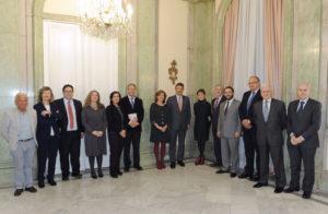Antes de la imposición de la Cruz a Francisco Muro, el ministro de Justicia, Rafael Catalá, recibió a la Junta Directiva de ACIJUR