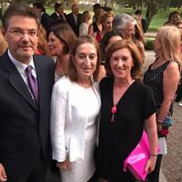 Patricia Rosety, presidenta de ACIJUR, con la presidenta del Congreso, Ana Pastor, y el ministro de Justicia, Rafael Catalá