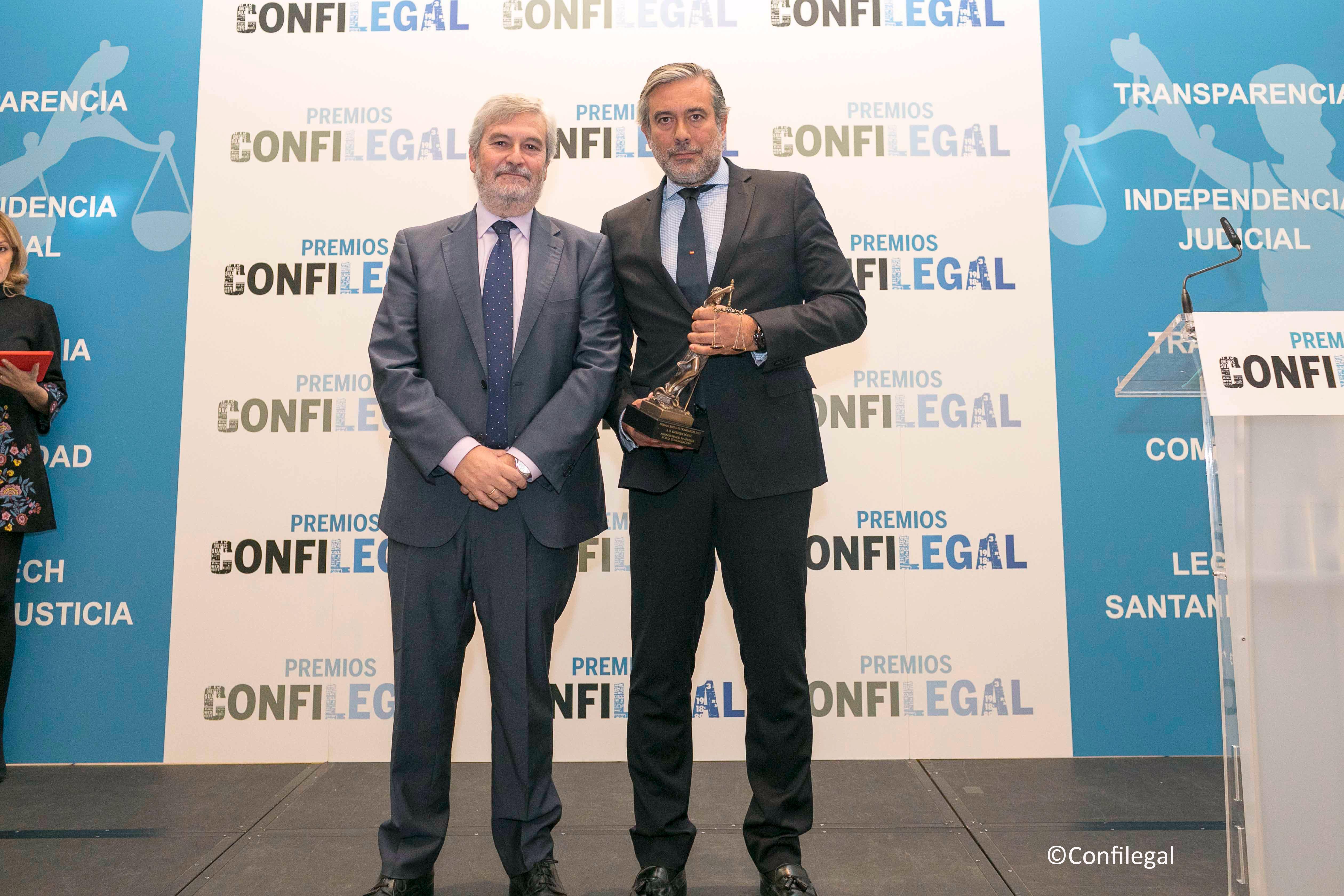 Agustín Zurita, vicepresidente de ACIJUR y el magistrado Enrique López