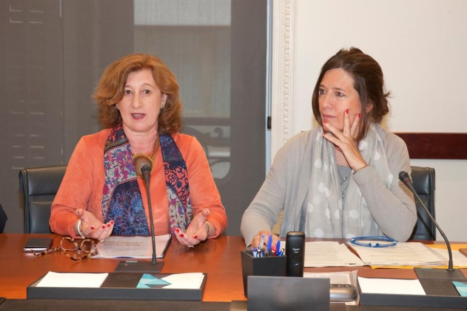 Patricia Rosety, presidenta ACIJUR junto a Mar España, directora de la AEPD