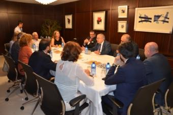 Reunión de trabajo de la Junta Directiva de ACIJUR con el presidente del Tribunal Constitucional.