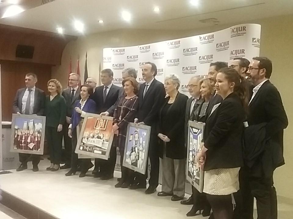 Foto de familia entrega VIII edición Premios Puñetas de ACIJUR