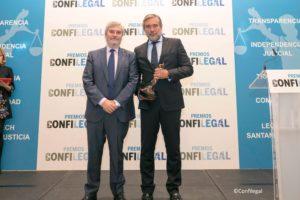Premios de Confilegal. Agustín Zurita, vicepresidente de ACIJUR y el magistrado Enrique López