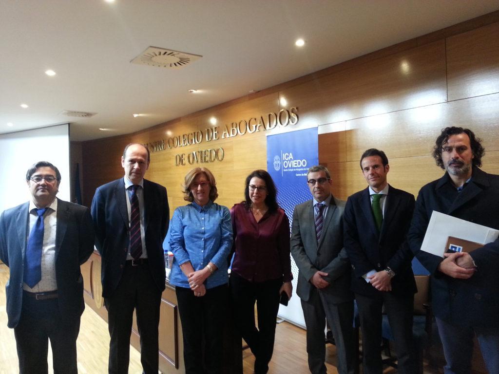 Patricia Rosety, presidenta de ACIJUR, participa en el Colegio de Abogados de Oviedo en la Jornada sobre Comunicación y Abogacía