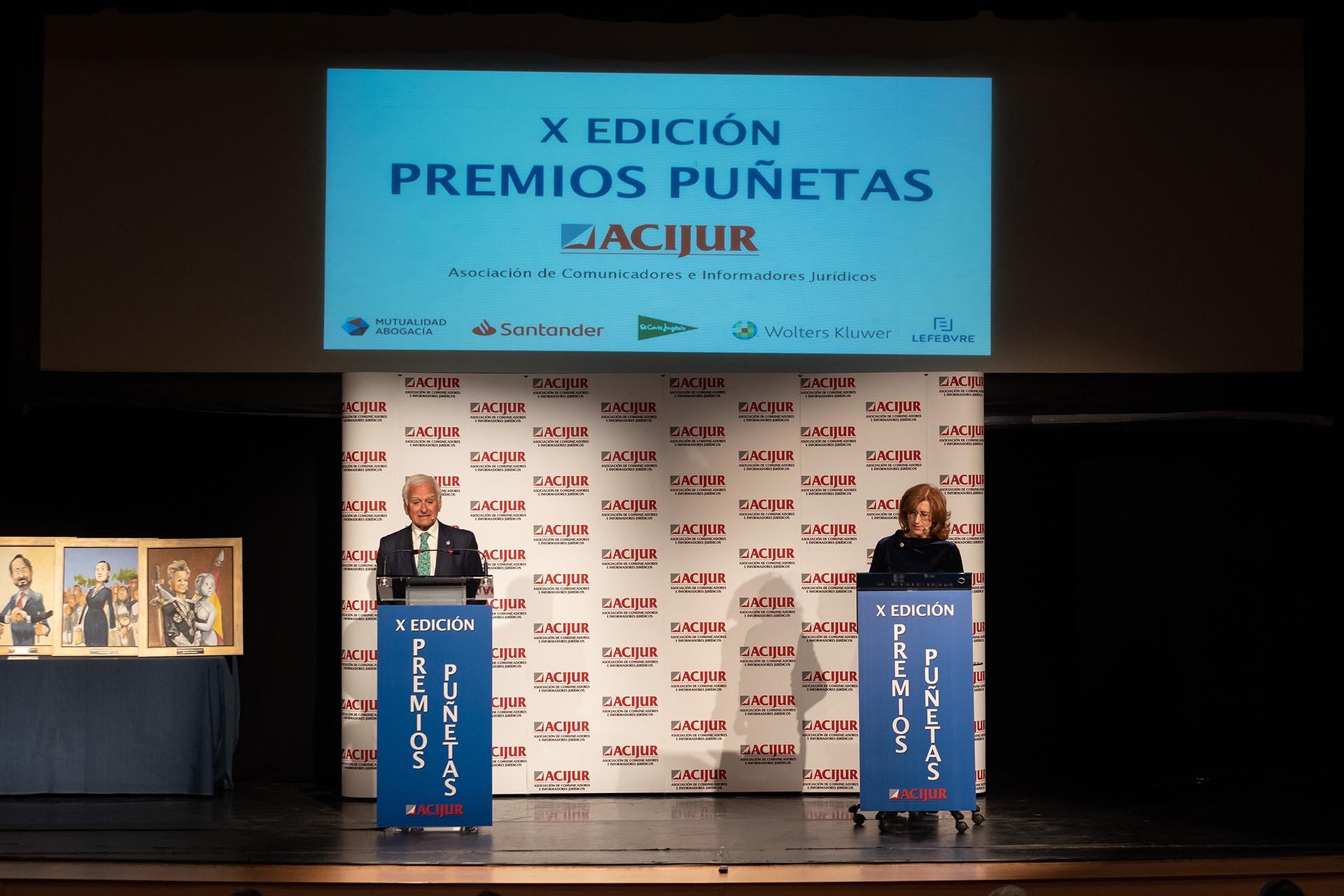 Patricia Rosety y Francisco Muro dan comienzo al acto de entrega de la X Edición de los Premios Puñetas.