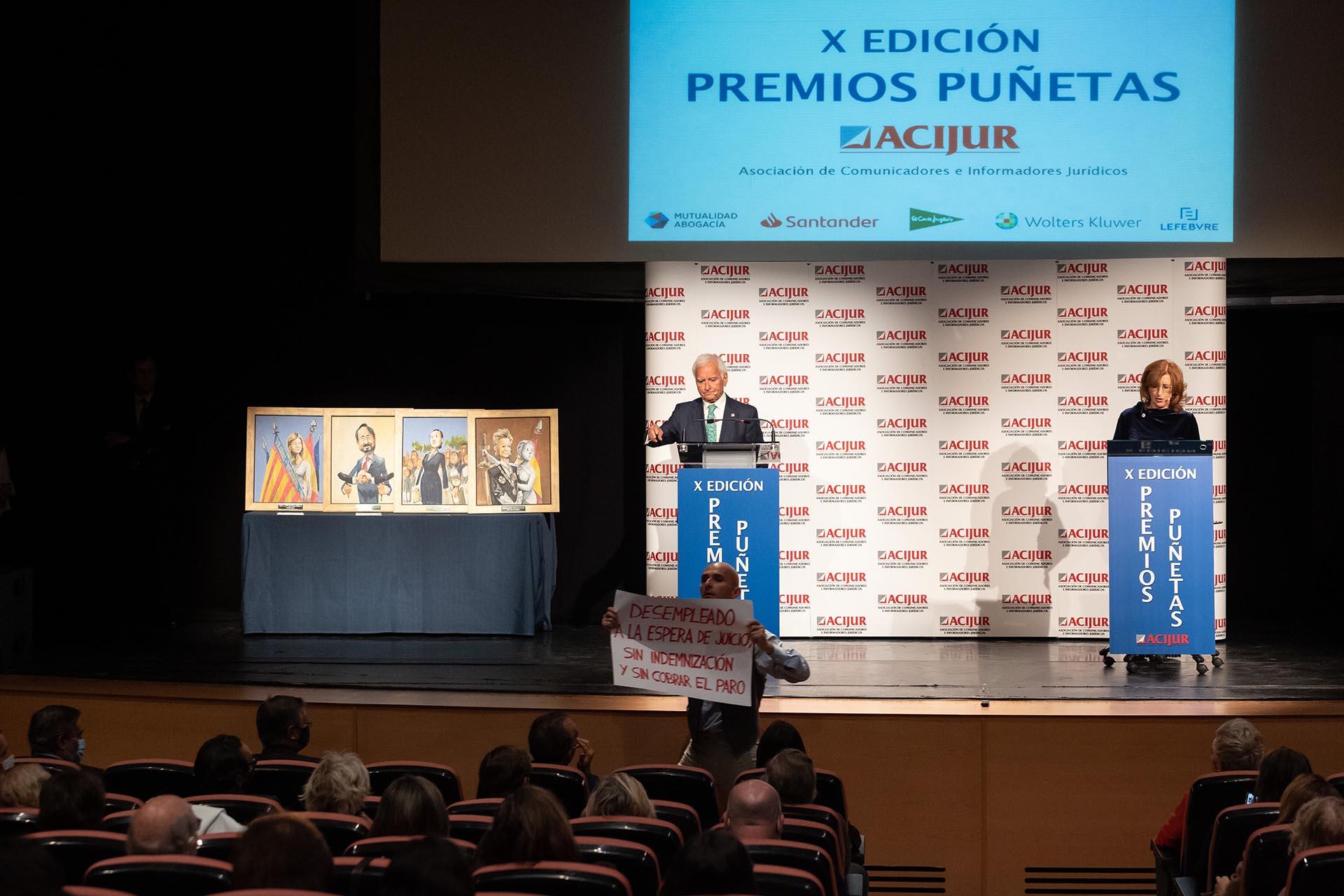 """Actuación durante el premio """"Vete a hacer Puñetas""""."""