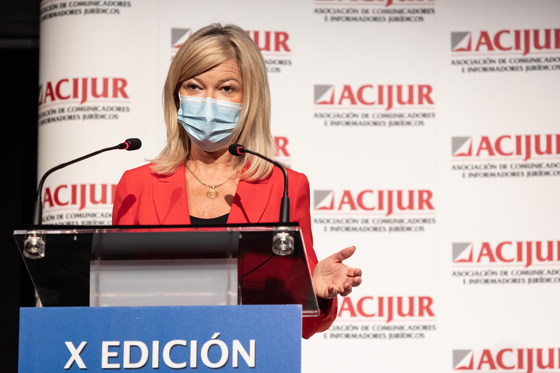 Gabriela Bravo, premio Puñetas Periféricas, durante su intervención al recoger el premio.