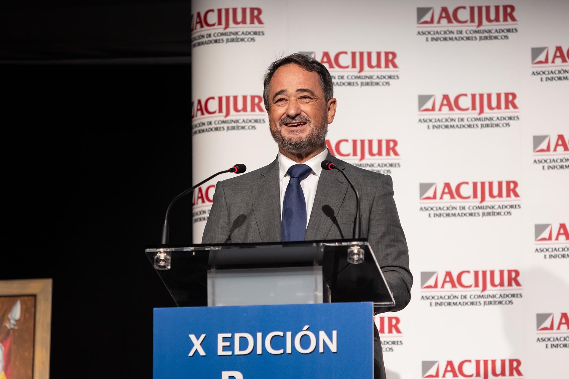 Javier Íscar, presidente de la Asociación Europea de Arbitraje, durante su intervención al recoger el premio Puñetas de Bronce.